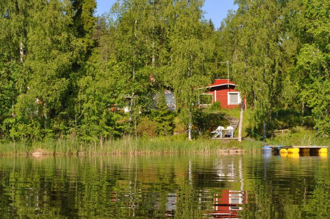 The cottage from the lake